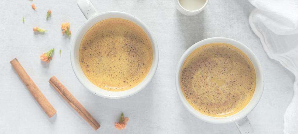 Receta latte cúrcuma maple