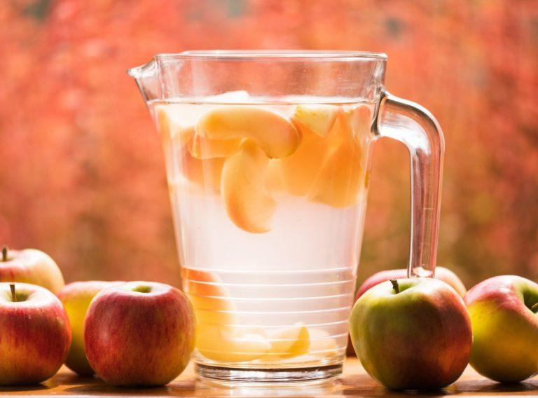 Cóctel de manzana y maple