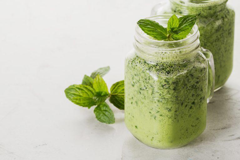 Batido de menta verde con jarabe de maple